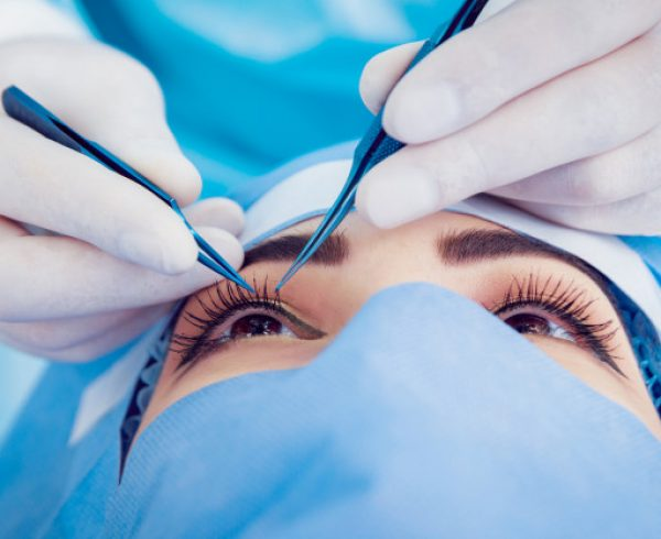 דברים שחשוב לדעת על הסרת משקפיים בלייזר והרמת עפעפיים
